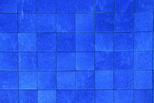 blauw patroon tegels badkamer