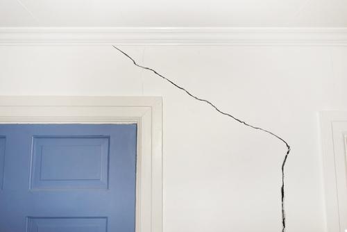 scheur muur repareren