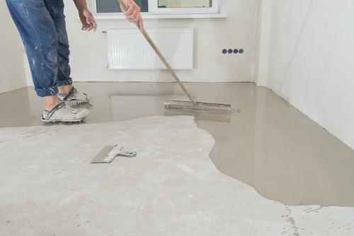 Een dekvloer storten met deze handige tips