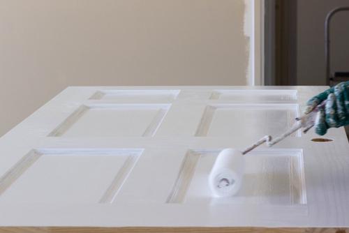 Zo kun je jouw deur mooi en strak verven