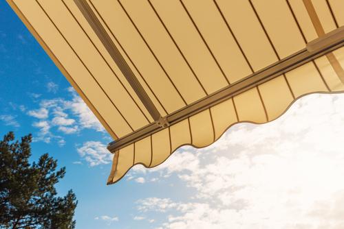 Het doek van je zonnescherm vervangen