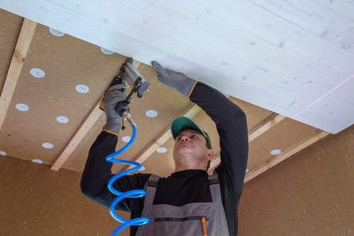 Plafond isoleren? Doe het zelf met dit handige stappenplan!