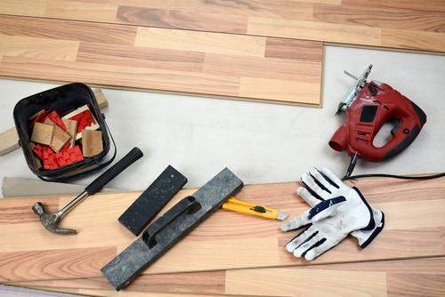 gereedschap vloer leggen